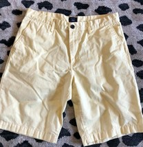 Gap Men's Chinos Shorts Sz 34 Yellow Khakis Soft  - $16.83