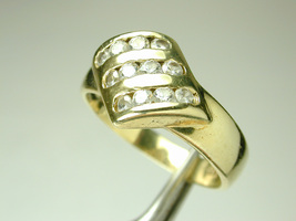 1769 Ring 14k Solid Yellow Gold (not plated) w/ Channel Set CZ Size 7 1/2 - $115.00