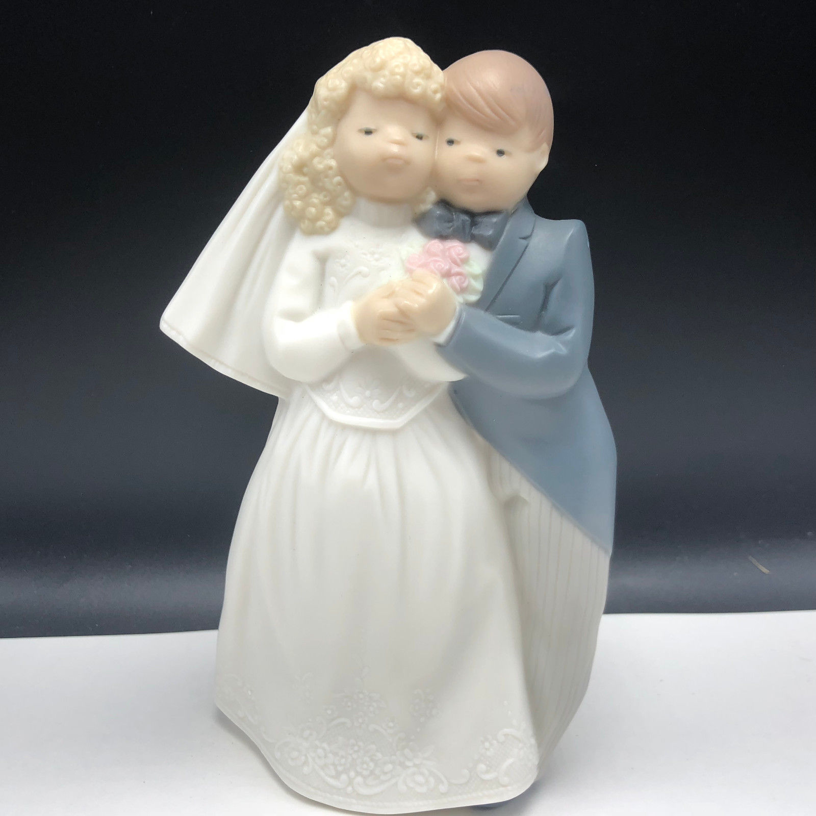Primary image for DAISA FIGURINE SPAIN porcelain golden memories 1993 statue sculpture wedding 535