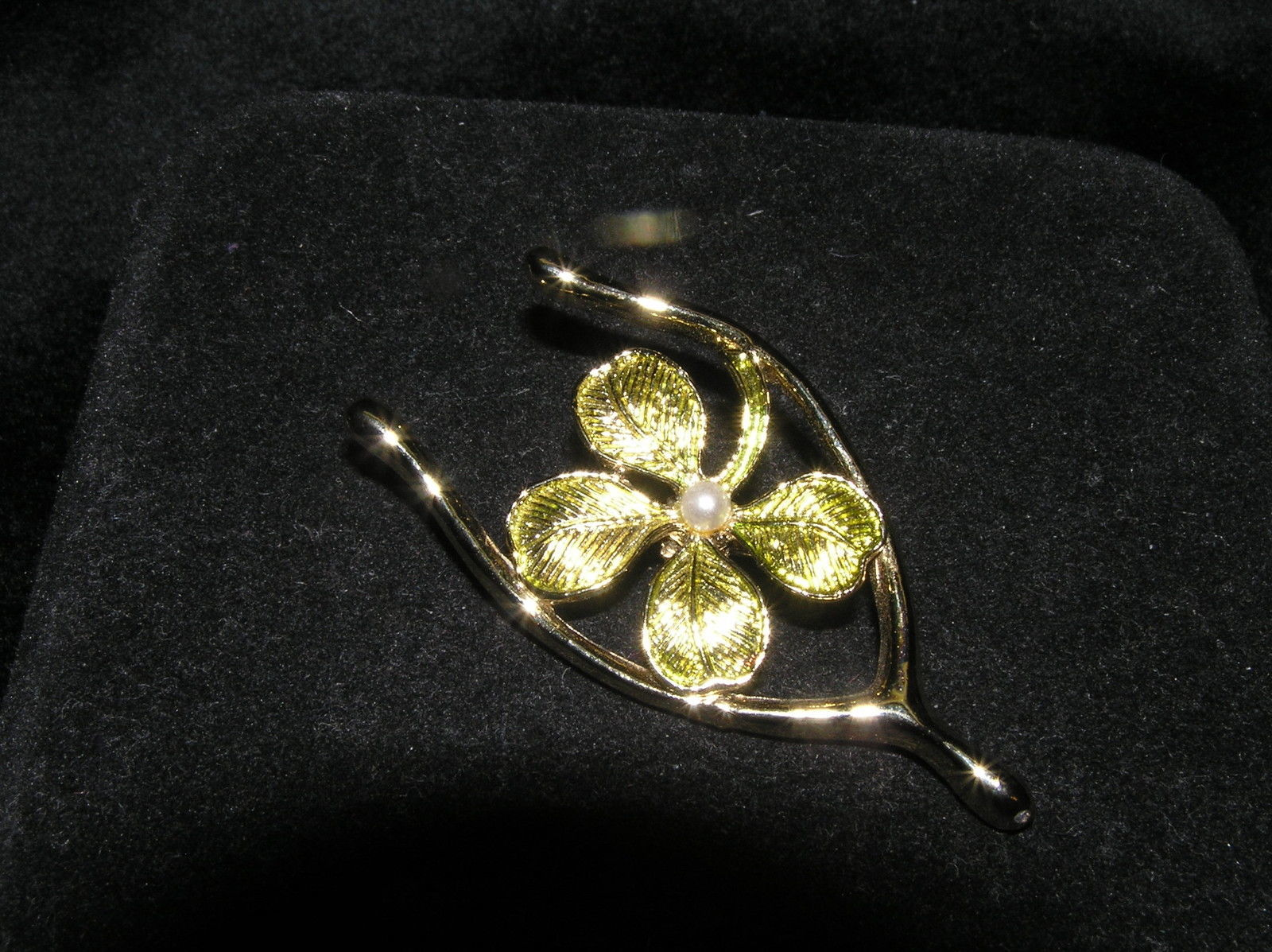 Primary image for Vintage Gerry's Signed Light Green SHAMROCK w Faux Pearl Inside GT Wishbone