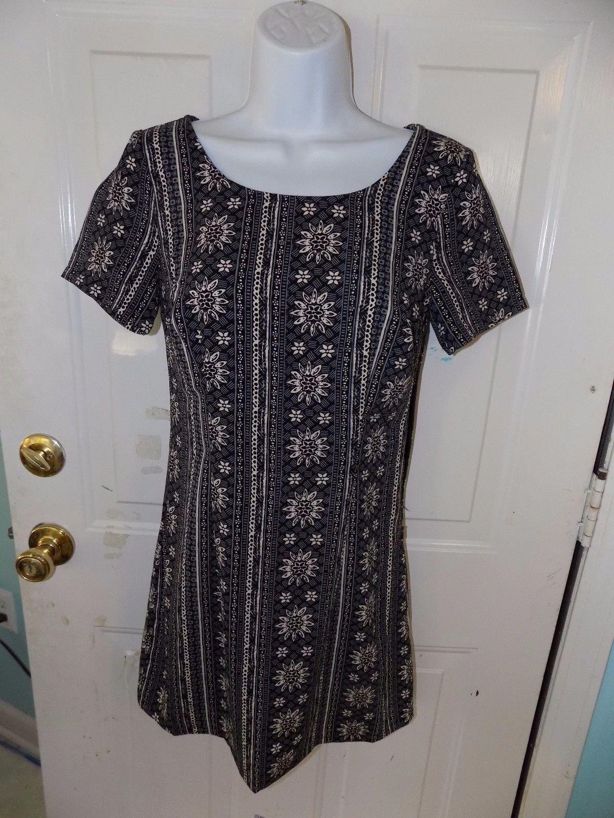 Hollister Black Mini Floral Pattern Patterned Cross-Back Dress Size XS Women's - $36.08