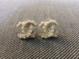 SALE*** Authentic CHANEL Crystal CC Logo Pearl Stud Earrings Gold  image 2
