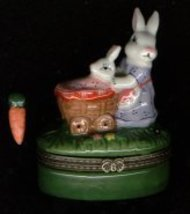 BUNNY RABBIT PUSHING A CART HINGED BOX - $11.00