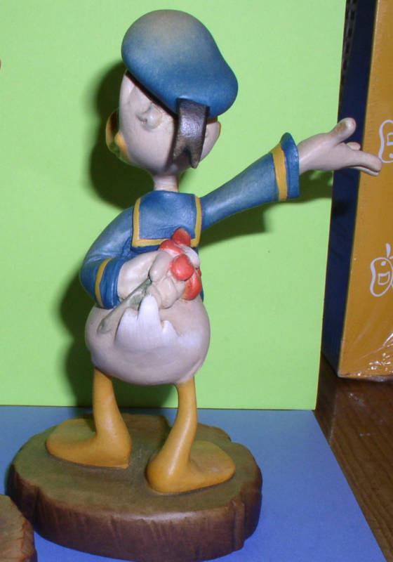 Disney Anri Wood Carving Daisy & Donald Duck B/O