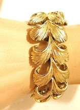 Vintage Lisner Goldtone Double Curl Feather Link Bracelet Signed - $27.99