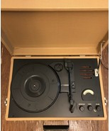 Crosley Model : CR-50TW Portable Record Player And FM/AM Portable - $23.38