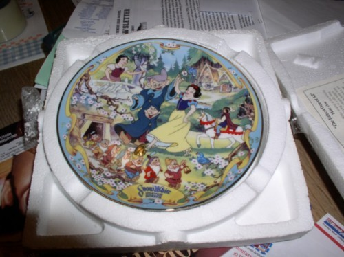 Disney Snow White & 7 Dwarfs Plate Musical