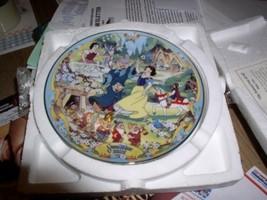 Disney Snow White & 7 Dwarfs Plate Musical - $46.92
