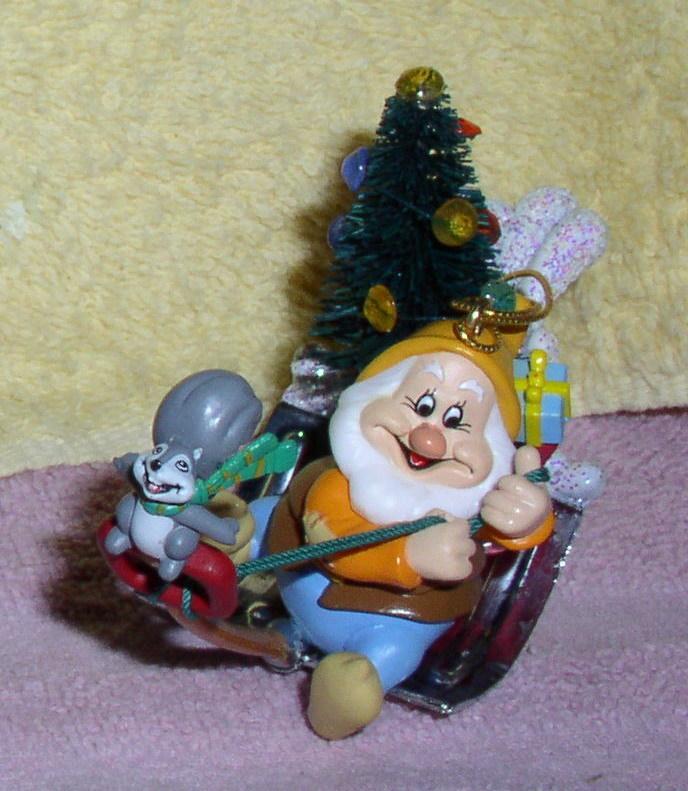 Disney Snow White Happy with Squirrel Chipmunk figurine Ornament