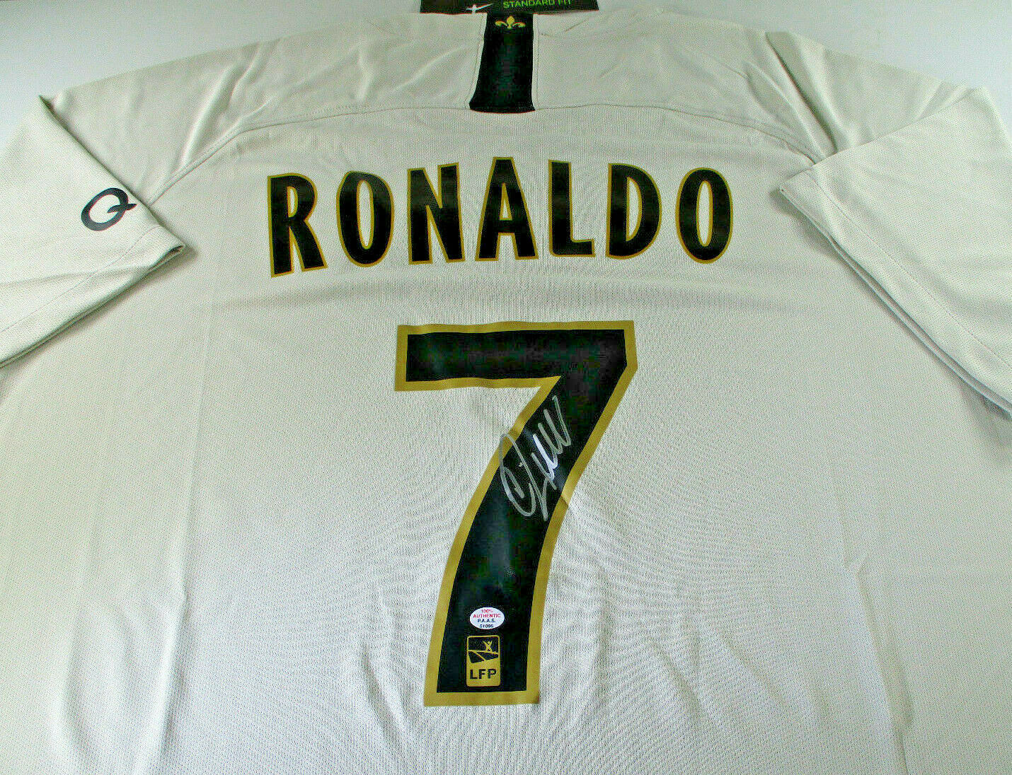 CHRISTIANO RONALDO / AUTOGRAPHED TEAM REAL MADRID PRO STYLE HOCKEY JERSEY / COA
