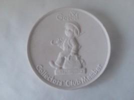 "Hummel Goebel Collectors Club Member Disc Plate ""Merry Wanderer"" White 4... - $5.93"