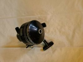 Daiwa 9650A Vintage Spincast Fishing Reel for parts image 5