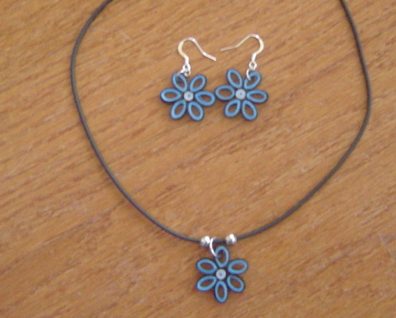 Paper Quilled Flower Necklace and Earring Set Handcrafted New