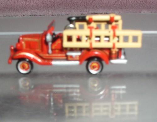 Fire Brigade Engine 1929 Chevrolet DieCast Metal 2004 miniature ornament