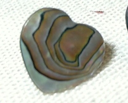 j78 Mini Heart Shaped Abalone Paua Shell Pierced Stud Post Earrings