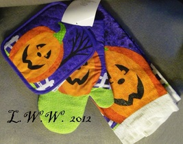 Oven Mitt Pot Holder Kitchen Towel Jack o'lantern Pumpkin Halloween Set  - $9.99