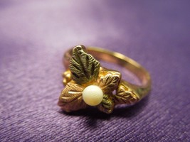 10k 2.9g Pearl Signed L Leaf Design Yellow & Rose Gold Ring, Size 4-1/2 - $66.83