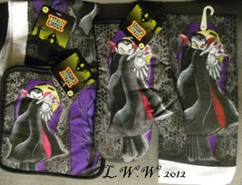 Oven Mitt Pot Holder Kitchen Towel Dishcloths Dracula Vampire Halloween ... - $12.99