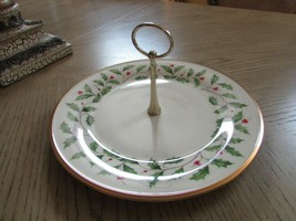 """LENOX HOLLY & BERRY 10.5"""" SINGLE TIER TIDBIT TRAY GOLD HANDLE 2ND QUALITY - $9.90"""