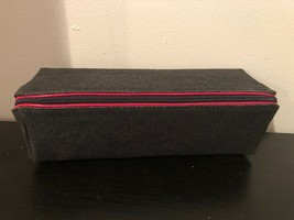 MAC CINEMATICS MAKEUP BAG! Grey with Red Zip & TEN MAKEUP SAMPLES! NEW - $17.82