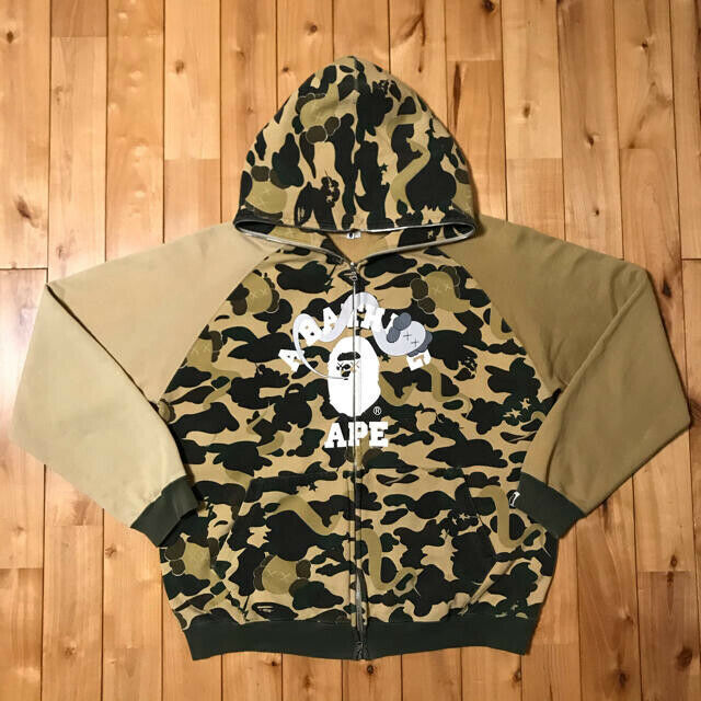 Primary image for Used A Bathing Ape × kaws crazy 1st camo yellow hoodie Size L Free shiping Bape