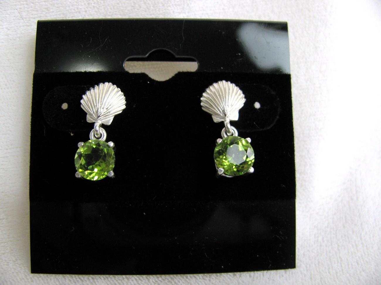 Peridot Sea Shell Sterling Silver Earrings RKS325
