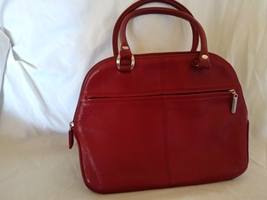 Pre-owned Liz Claiborne Like New red purse - $18.99