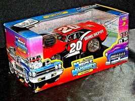 2005 NASCAR Action Camaro Muscle Machine #20 1:24 scale stock car image 1