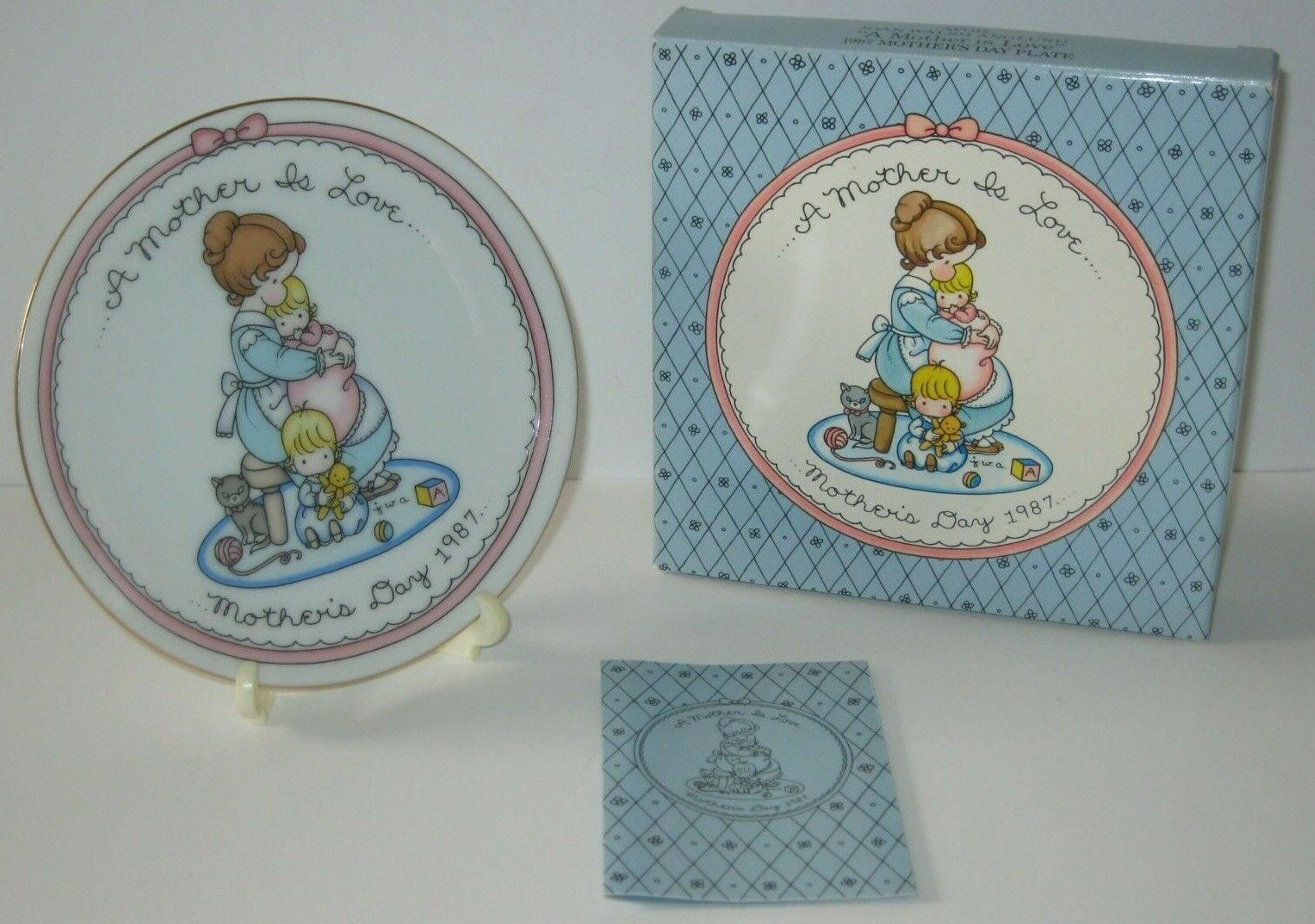 VINTAGE A Mother Is Love COLLECTOR PLATE AVON 1987 Box Stand