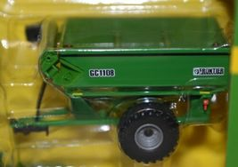 John Deere TBE45443 Die Cast Metal Replica Harvesting Set image 3