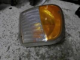 01 02 03 04 Ford F150 R. CORNER/PARK Light FOG/DRIVING Bumper Mtd Base 167791 - $18.80