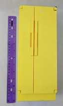 BARBIE 1978 DREAM FURNITURE YELLOW REFRIGERATOR/FREEZER Imperfect For Parts - $6.00