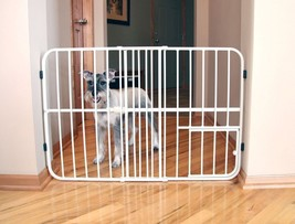 Carlson Tuffy Expandable Gate with Small Pet Door-0624