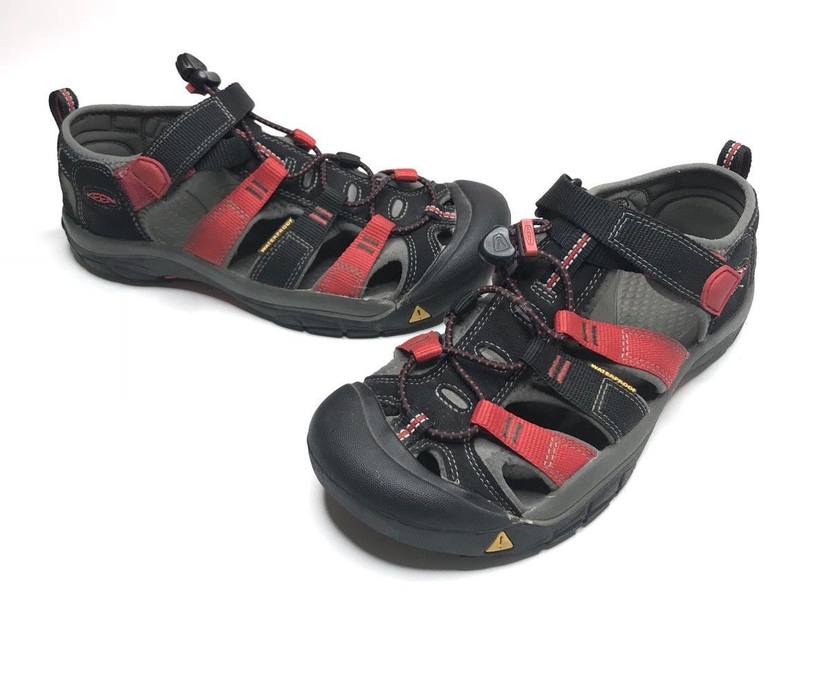 e4df37870322 Keen Sandals Men Size 5 Athletic Hiking Camping Shoes -  42.88