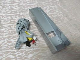 Genuine OEM NINTENDO WII AV CABLE RVL-009 & Console Dock Stand RVL-019 T... - $13.51 CAD