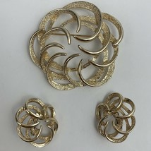 Sarah Coventry Brooch Clip On Earrings Set Round Open Work Swirl Gold Tone - $19.76