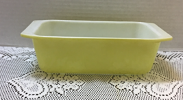 Vintage YELLOW PYREX Loaf Pan Ovenware // Retro Kitchen // #913 - $12.00