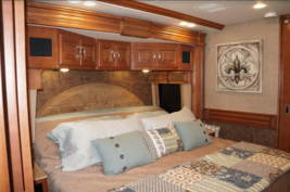 2015 Fleetwood Discovery 40e FOR SALE IN Bay ST Louis MS 39020 image 2