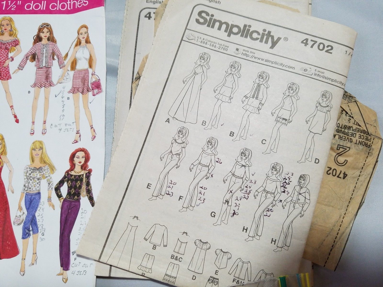Simplicity Barbie Doll Clothing Pattern Vintage 4702 w/Pre-Cut Fabric Included