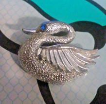 Vintage Swan Silver Tone with Blue Rhinestone E... - $2.85