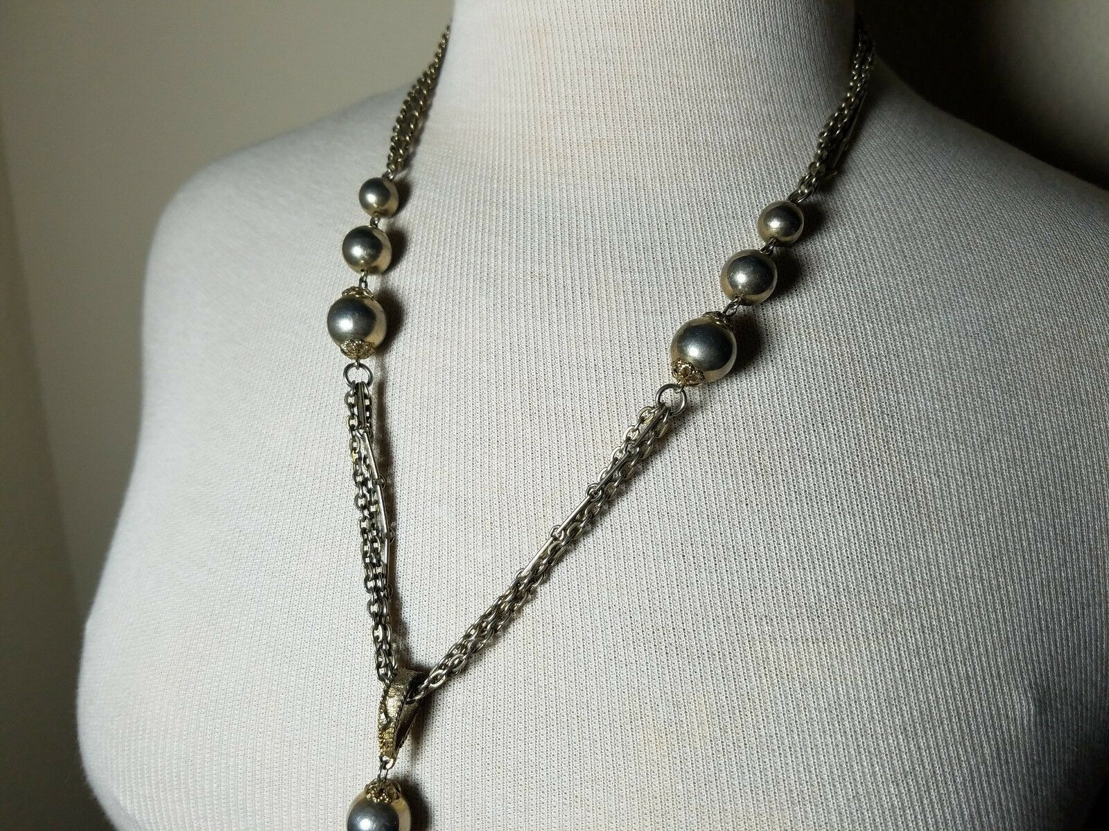 Vintage Fashion Jewelry Set Chain Necklace & Earrings Metal Silver Tone Bead