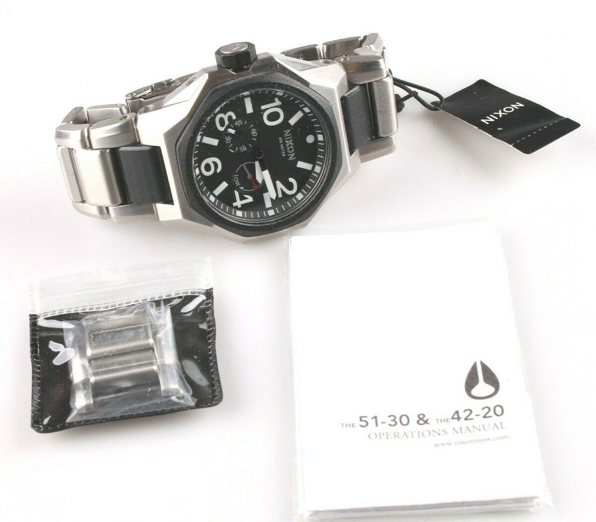 Nixon A397-000 Die Tangent Schwarz & Silber Ton Edelstahl Herren Armbanduhr