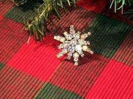 Cookie Lee Christmas Starburst Brooch - Genuine Austrian Crystal, #11117 - New! - $14.00