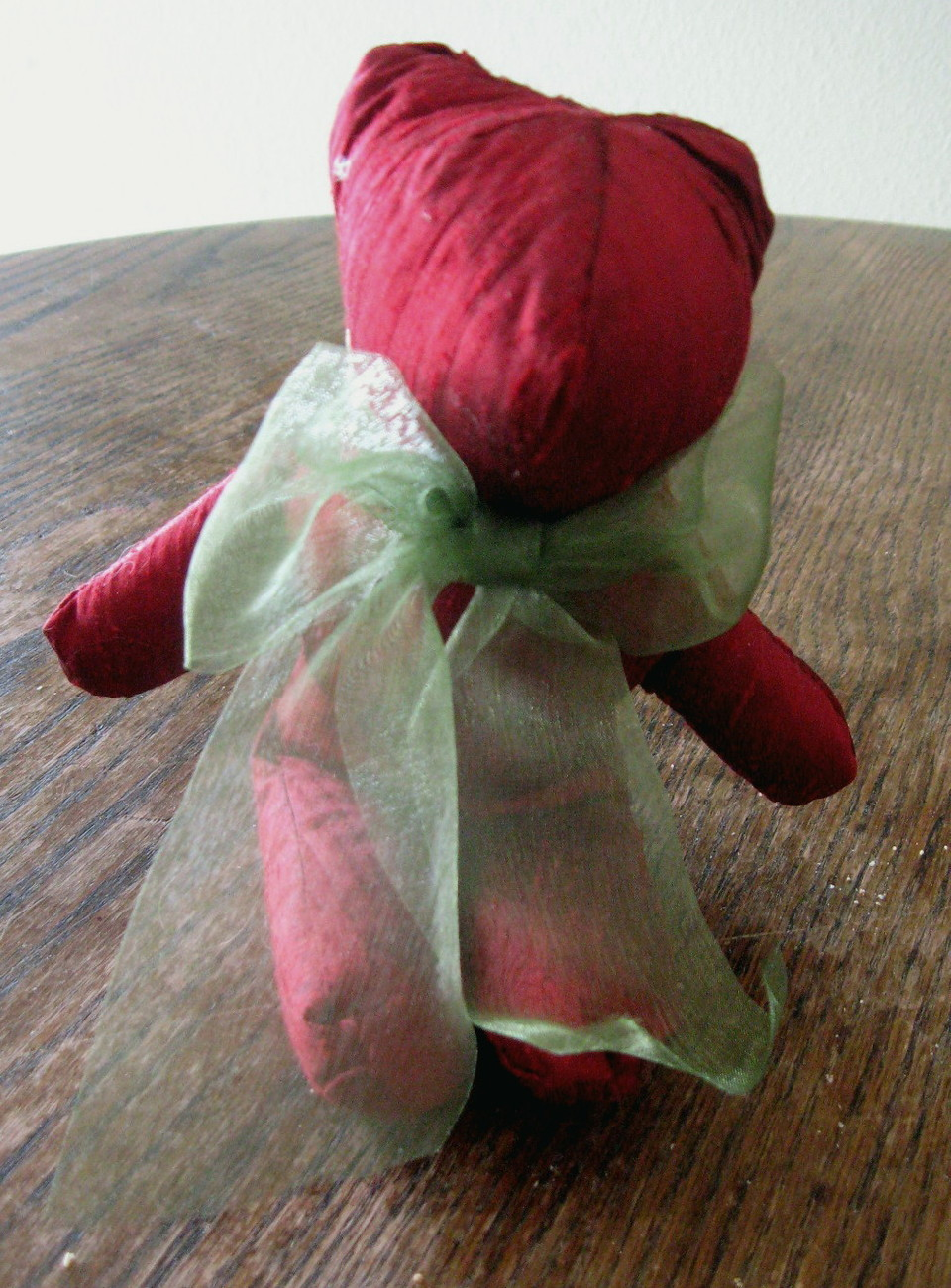 JESSICA MCCLINTOCK KEEPSAKE CHRISTMAS BEAR.  AUTHENTIC WITH ATTACHED LABEL