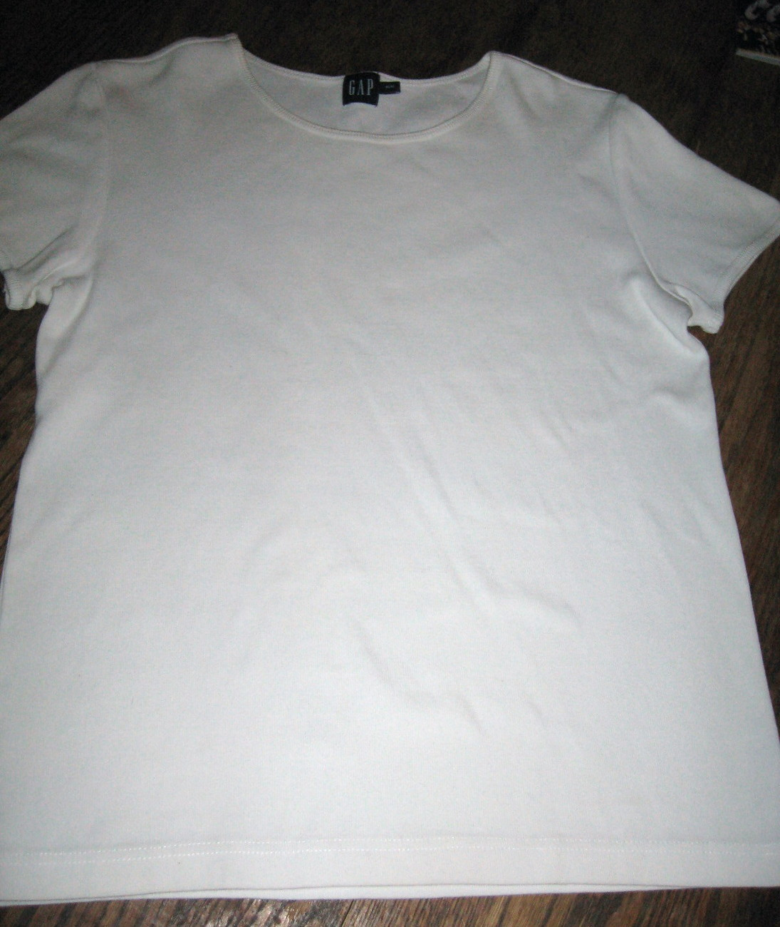 LADIES 100 PERCENT COTTON TOP, WHITE, SIZE MEDIUM, BY GAP