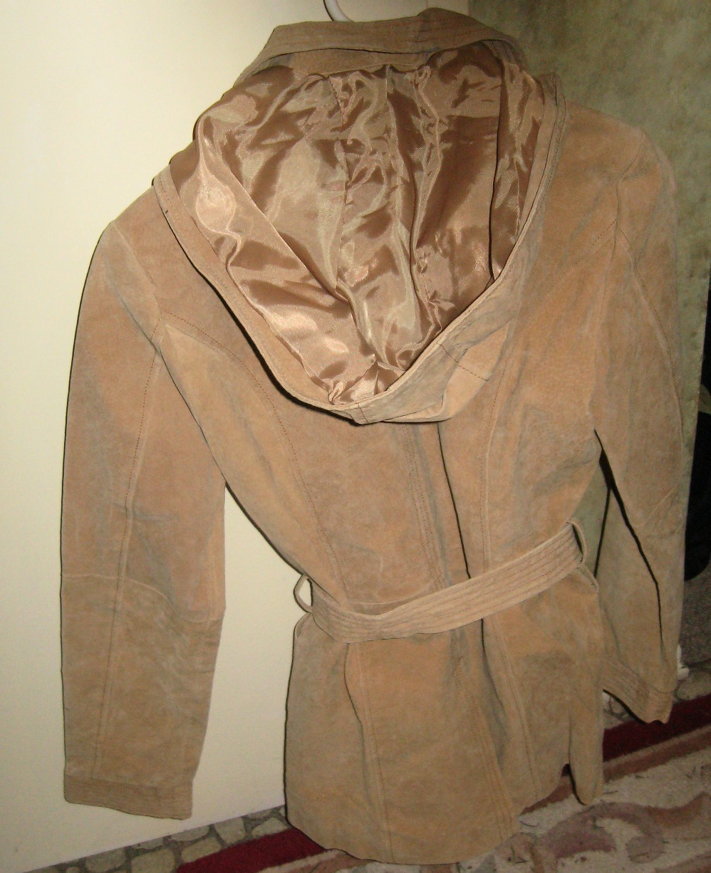 LADIES REAL LEATHER JACKET WITH HOOD BY MARCELLE RENEE, FULLY LINED, SIZE MEDIUM