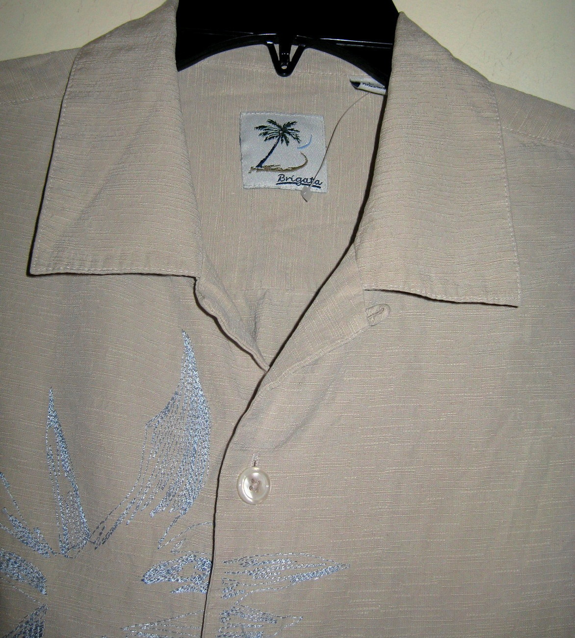 Mens Beige with Light Design Button Down Shirt By Brigata  Sz L New with Tags