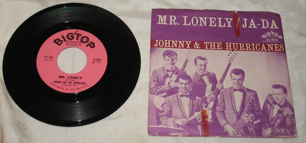 Mr. Lonely/Ja-da Johnny & The Hurricanes 45 vinyl with Sleeve