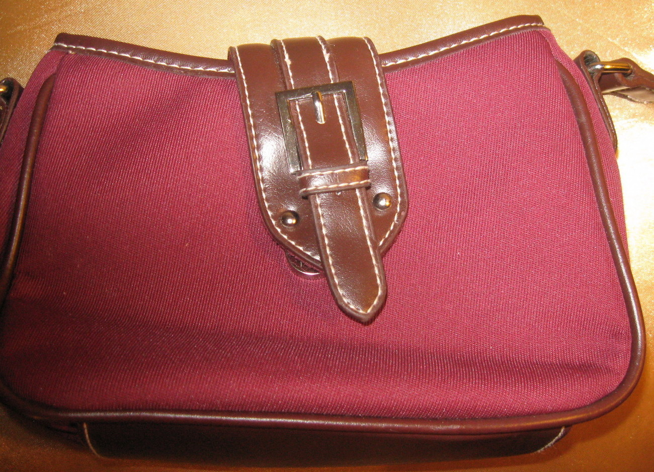PURSE & MATCHING CHANGE PURSE, BURGUNDY, SHOULDER STRAP, ZIPPERED COMPARTMENTS