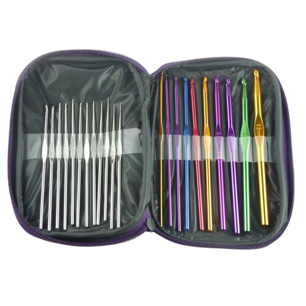 22 Piece Multicolor Aluminum Crochet Hook Set with Carrying Case